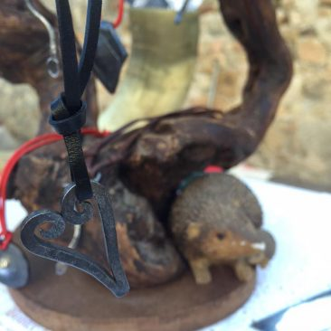 Bijoux pendentif en fer forge motif coeur